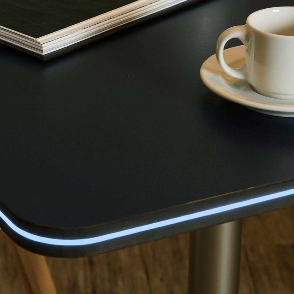 MENTOR_Lichtloesungen_M-Fibre_Beispiel_Tisch